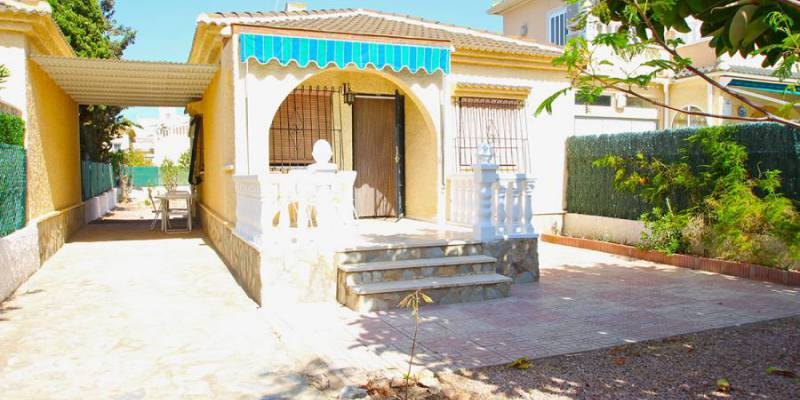 Buy Villa for Sale in La Siesta, Alicante: A chance to unwind